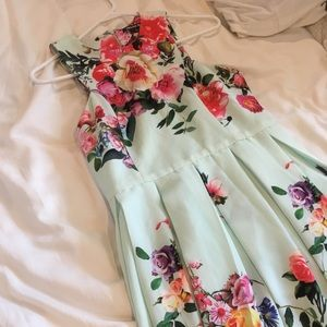 Floral Gianni Bini dress